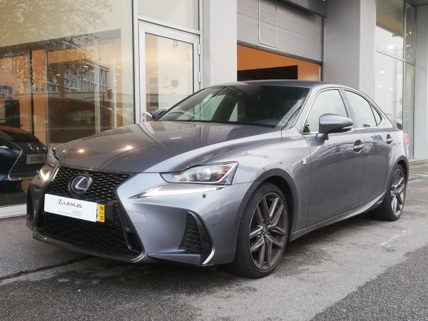 Lexus IS segunda mano Porto