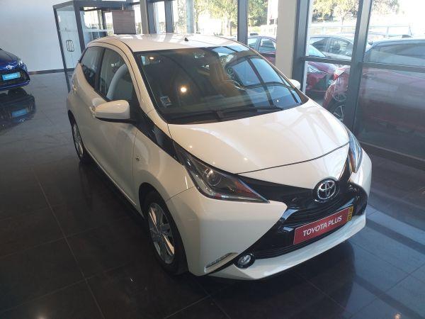 Toyota Aygo segunda mão Santarém