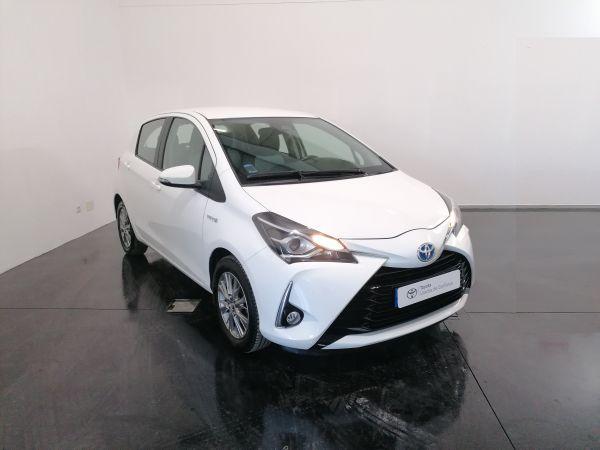 Toyota Yaris Hibrido segunda mão Santarém