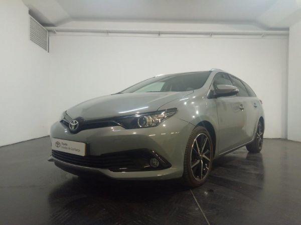 Toyota Auris viatura usada Porto