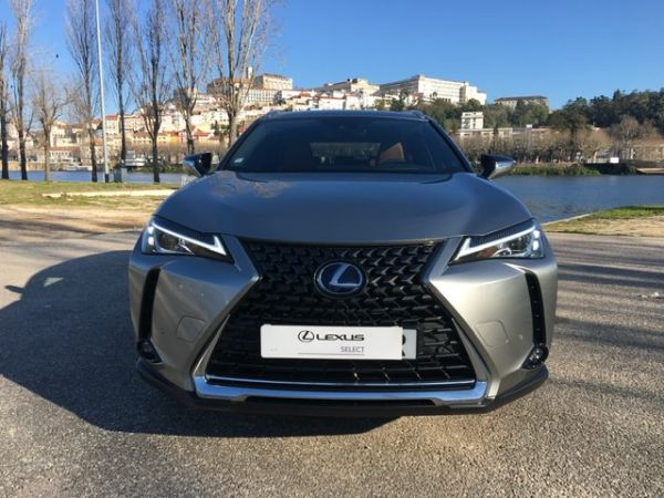 Lexus UX segunda mão Coimbra