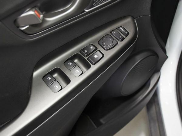Hyundai Kona EV 5P 100KW TECNO