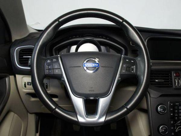 Volvo V40 Cross Country 2.0 D2 Momentum 88 kW (120 CV)