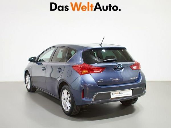 Toyota Auris  hybrid Advance