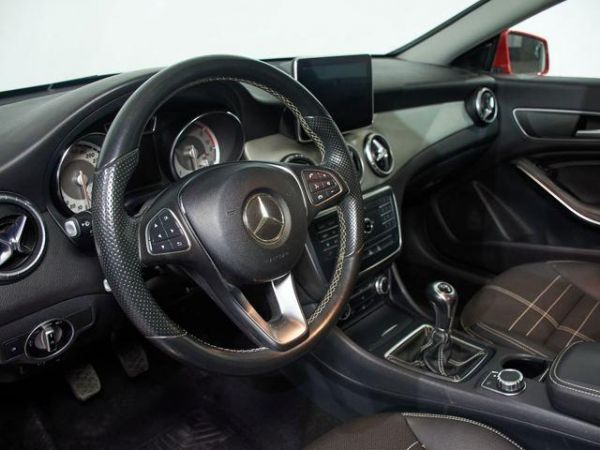 Mercedes Benz Clase CLA CLA 200 d Shooting Brake 100 kW (136 CV)