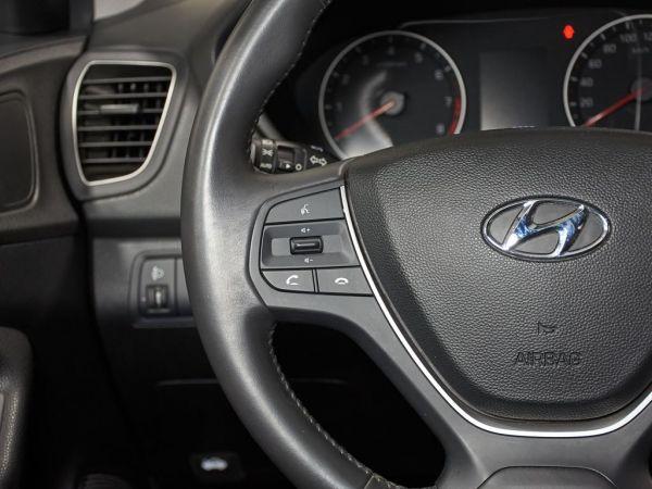 Hyundai i20 1.2 MPI Essence LE