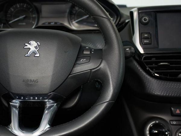 Peugeot 208 1.2 PureTech S&S Style 82