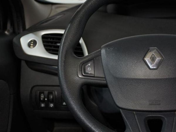 Renault Scenic dCi 95 Expression 70 kW (95 CV)