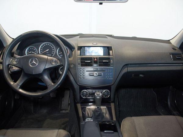 Mercedes Benz Clase C Estate 200DI Avantgarde (9.75)