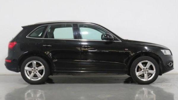 Audi Q5 S line 2.0 TDI clean diesel quattro 140 kW (190 CV) S tronic